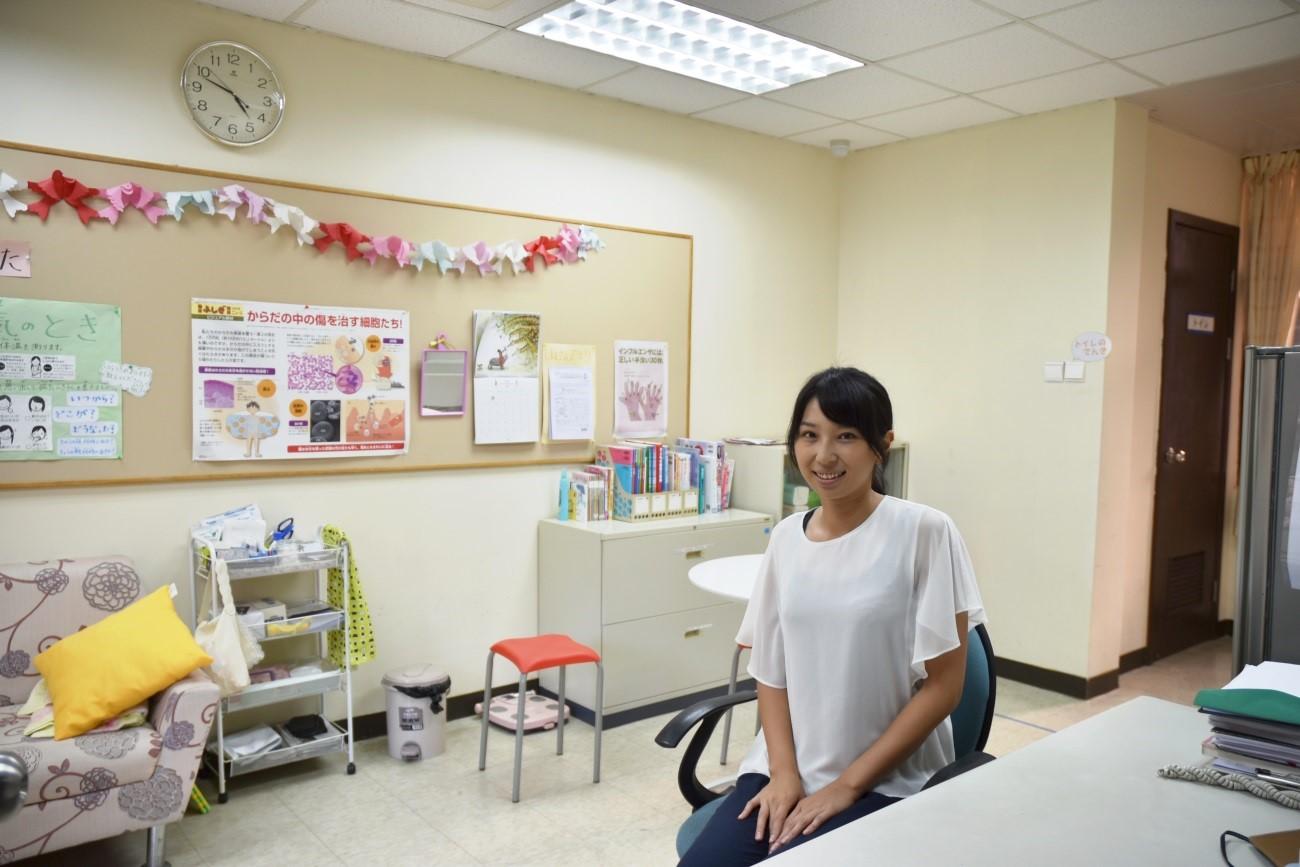 世界で活躍する卒業生~日本人学校養護教諭~ 新着情報 関西福祉科学大学